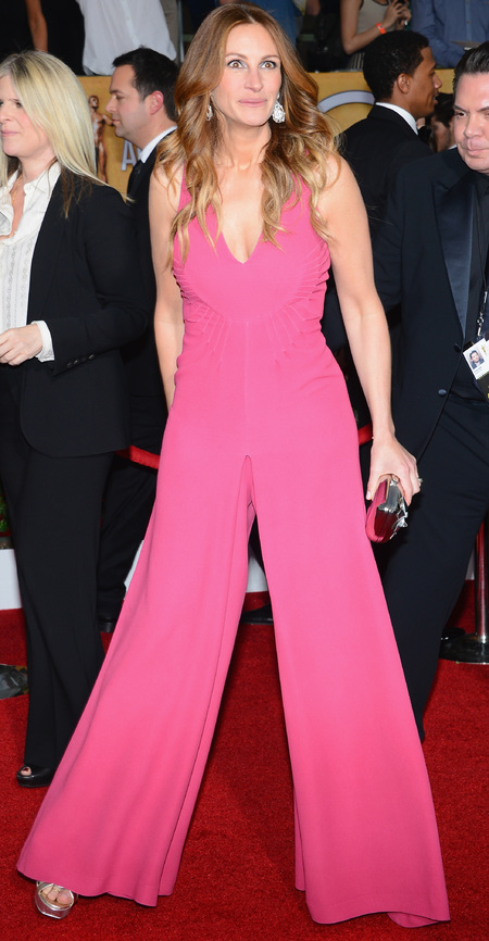julia roberts pink jumpsuit - sag awards 2014 - celebrity fashion trends - handbag.com