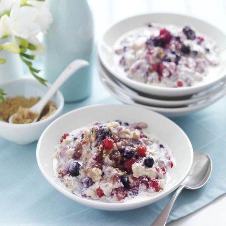 Brown sugar and berry porridge pinterest - pimp your porridge recipes - food feature - handbag.com