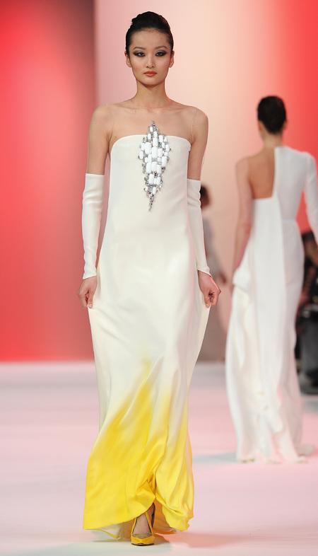 Designer wedding dress ideas from Couture fashion week - Stephane Rolland - beach wedding dress - Fashion and weddings - trends - handbag.com