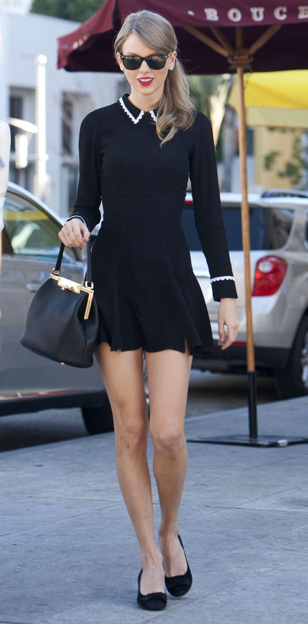 taylor swift dolce gabbana handbag - Sara Pebbled Frame Shoulder Bag - red lips and navy dress - handbag.com