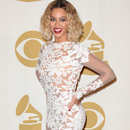 beyonce in white lace dress - grammys 2014 - handbag.com