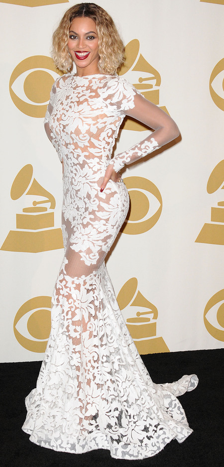 Beyonce in white lace at 2014 Grammys