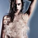 Naked Cara Delevinge pulls a Miley