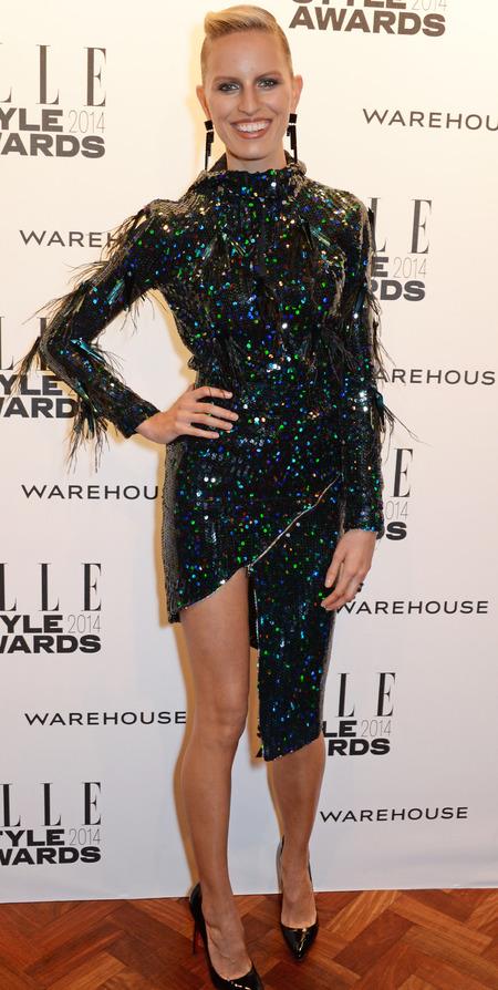 elle style awards - karolina kurkova green and black dress - celebrity fashion tends - handbag.com