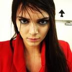 Kendall Jenner leads LFW's blue eye trend