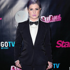 Kelly Osbourne mans up for drag queen party