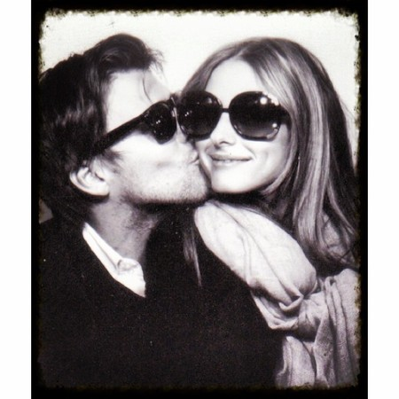 olivia palermo and johanne shuebl - fiance - kissing - sundays - handbag.com