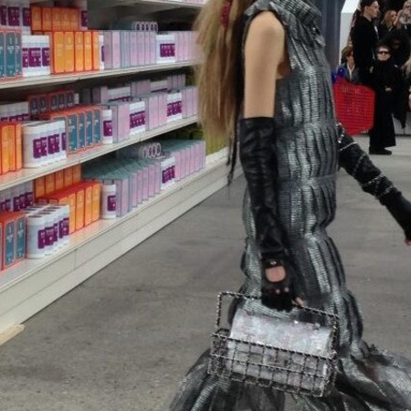 Chanel Paris Fashion Week - shopping basket handbag - shopping center - handbag.com