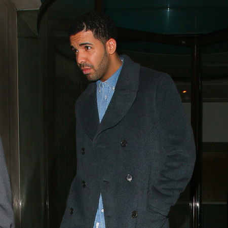 Drake and Rihanna - London - back together - dating - stella backpack - handbag.com