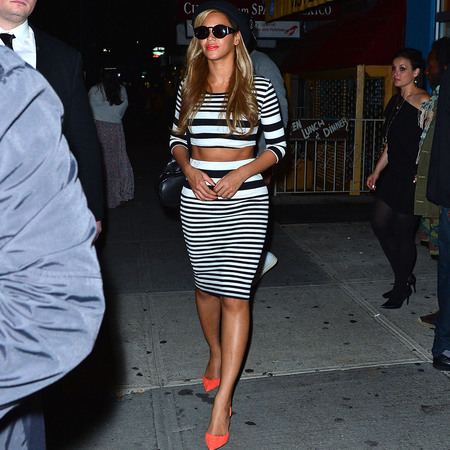 beyonce in topshop crop top and midi skirt - kim kardashian fashion trend - celebrity trend - handbag.com