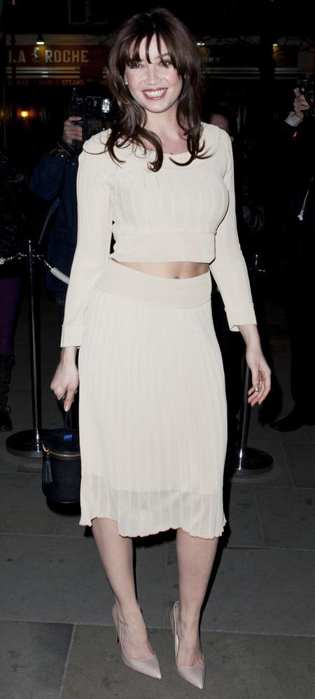 daisy lowe wearing crop top and skirt - kim kardashian fashion trend - nude fashion trend - handbag.com