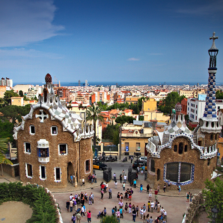 Barcelona_travel_5_best_weekend_getaways_for_Easter_long_weekend_travel_bag_handbag.com