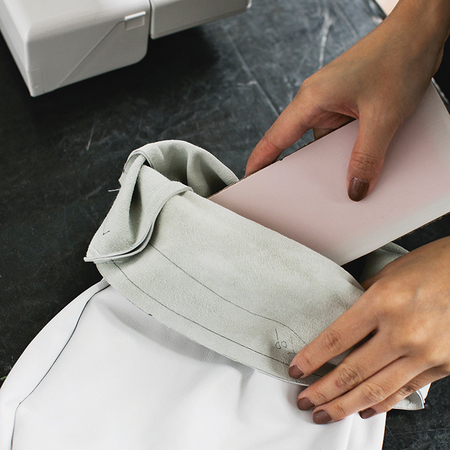 How to make a slouchy insert base card - diy fashion fix - adorn - handbag.com
