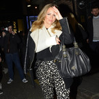 Pregnant Kimberley out with broken wrist