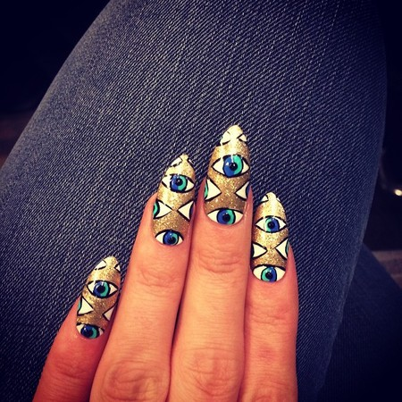 Lily Allen's gold eye nails
