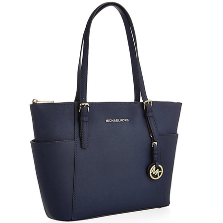 michael kors jet set tote bag - big handbag - weekend trip - how to travel and pack light - handbag.com