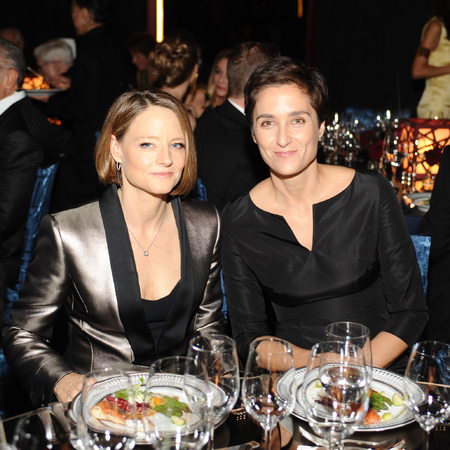jodie foster and Alexandra Hedison married in secret - celebs who got married in secret - day bag  - feature - handbag.com