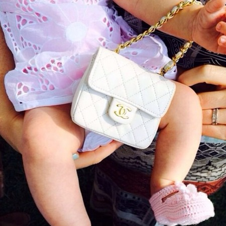 Katy Perry buys niece a baby Chanel bag - celebrity handbags - celebrity babies - handbag news - handbag.com