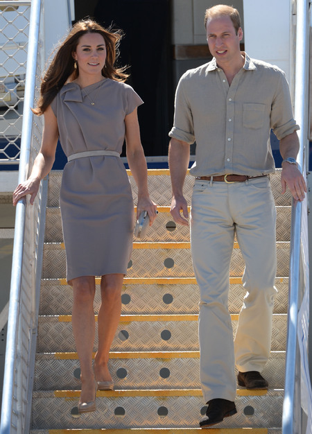 kate middleton and prince william - royal tour of australia and new zealand 2014 - matching fashion outfits - desert camo style - handbag.com