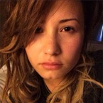 Demi Lovato perfects the no-makeup selfie