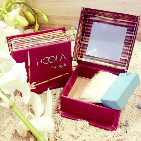 benfit hoola-how to use bronzer-how to contour face-lisa potter dixon makeup artist-summer makeup-golden glow-handbag.com