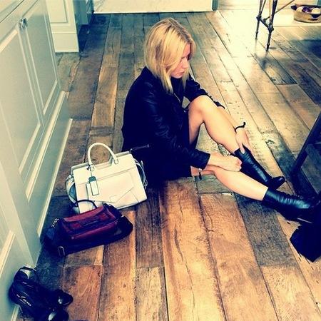 gwyneth paltrow-goop-proenza schouler-handbag-boots-spring clean-instagram picture-handbag.com