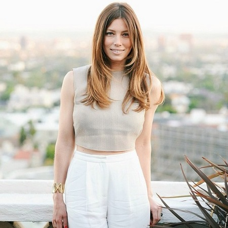 Jessica Biel does grown up crop top - jessica biel fashion - crop top trend - summer fashion trend - celebrity fashion - handbag.com