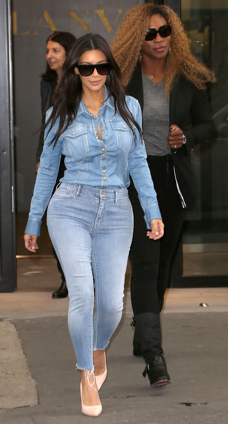 kim kardashian-double denim-fashion-trend-style-jeans-how to dress curvy hourglass body-celebrity fashion trends-handbag.com