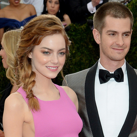 emma stone-andrew garfield-met gala 2014-pink dress-thakoon-red carpet-plait hairstyle-handbag.com