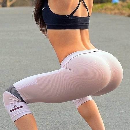 Jen Selter the best bum on Instagram's new column for the New York Post - best bum workout - fitness tips - celebrity bums - gym bag - fitness news - handbag.com