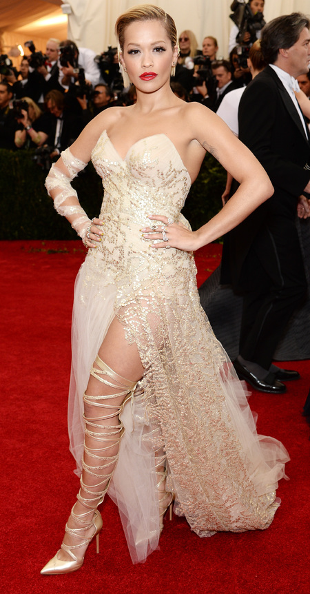 rita ora-met gala 2014-gold dress-thigh boots-gladiator style-worst dressed-red carpet-handbag.com