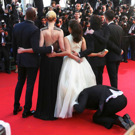 America Ferrera at Cannes - how to train your dragon - man under skirt - who was it - handbag.com