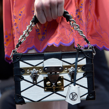 louis vuitton-cruise 2015 collection-runway show-handbags-black and white-Petite-Malle bag-handbag.com