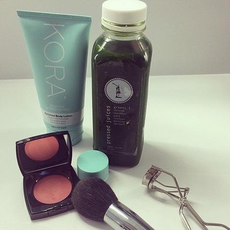 Miranda Kerr - australian green juice - pressed juice - detox - diet - handbag.com