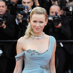 Naomi Watts is sexy in Marchesa