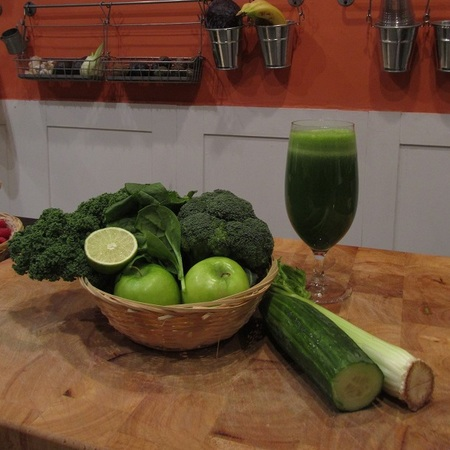 Juice People Skin Deep green juice recipe - gym bag - handbag