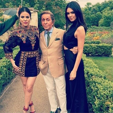 kim kardashian-kanye west-wedding-florence italy-khloe kardashian-kendall jenner-valentino palace-handbag.com