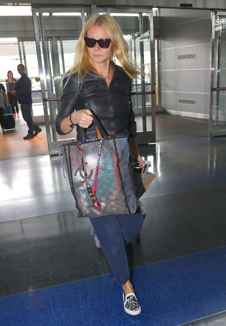 gwyneth paltrow chanel graffiti bag - gwyneth paltrow's edgy new style ater chris martin split - shopping bag - handbag