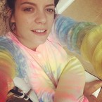Lily Allen joins the no makeup selfie crew