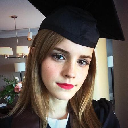 emma watson on her graduation day - celebs that went back to school after becoming famous - day bag - handbag