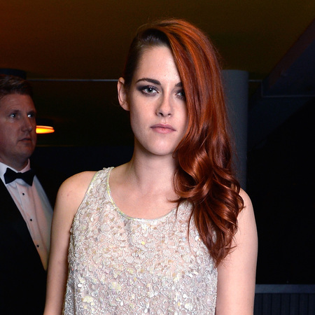 kristen stewart in chanel jumpsuit on the red carpet at cannes 2014 - kstwe shows rpatz what he's missing - shopping bag - handbag