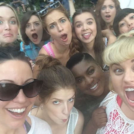 pitch perfect 2 selfie with rebel wilson and anna kendrick - day bag - handbag.jpg