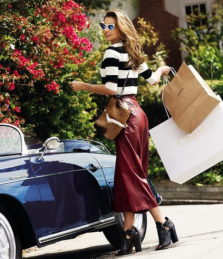 miranda kerr carrying 3.1 phillip lim fur bag - miranda kerr lucky shoot - shopping bag - handbag