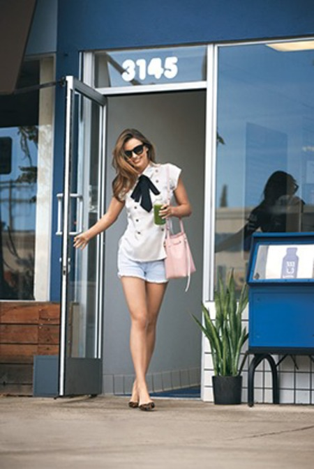 miranda kerr carrying pink mansur gavriel bucket bag - miranda kerr lucky shoot - shopping bag - handbag