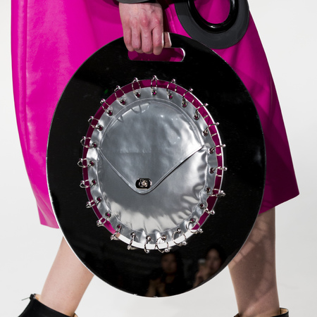 graduate fashion week 2014-best new handbag designers-shawn yang wheel bag-handbag.com