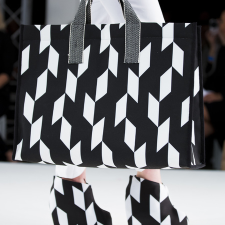 graduate fashion week 2014-best new handbag designers-stephanie lee black and white handbag-handbag.com