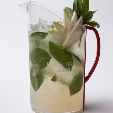 Guava semester punch recipe - rekorderlig cider recipes - day bag - handbag.com