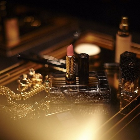 gucci-debut makeup collection-first ever gucci lipstick-pink lipstick-designer makeup-handbag.com