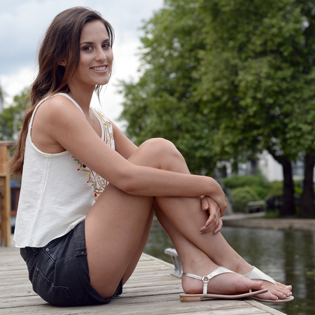 lucy watson-made in chelsea-clear skin regime-how to fake tan-celebrity beauty secrets-handbag.com