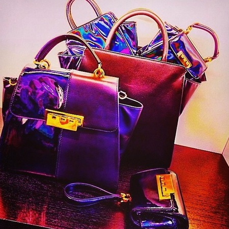 zac posen-resort 2015 handbag collection-hologram trend-purple-shiny bags-handbag.com